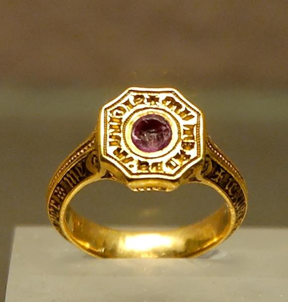 Signet-ring_Black_Prince_Louvre_OA9597